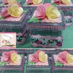 http://www.inspiresuafestaloja.com.br/pd-2b0979-caixinha-de-acrilico-decorada.html?ct=&p=1&s=1Caixinha de acrílico decorada