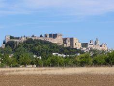 Oria e il castello. Salento in Puglia. 40°30′00″N 17°38′00″E