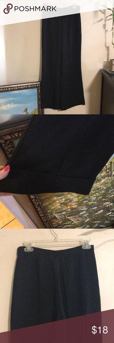 Wide leg cuffed office slacks Check out my bundle deals 😀 New York & Company Pants Wide Leg