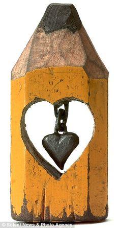 Pencil Carving by Dalton Ghetti. Amazing!
