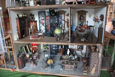 If I had a dollhouse, it would be a haunted one like this.