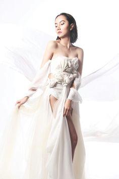 'Goddess' #4  NATURE  TALENT : AJMARINA//PHOTO : ABIMANTRANA//WARDROBE : GUSTAVIAN GARIN