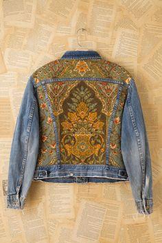 Mode Hippie, Estilo Denim, Denim Art, Mode Jeans, Denim Ideas, Altered Couture, Painted Clothes, Jeans Denim, Embellished Jeans