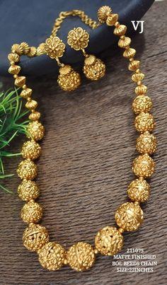 Gold Chain Design, Gold Bangles Design, Gold Jewellery Design, Gold Jewelry, Beaded Jewelry, Gold Choker Necklace, Antique Necklace, Gold Necklaces, Necklace Set