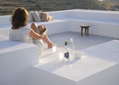 Est-Living-Maison-Kamari-Paros-Greece-poolview