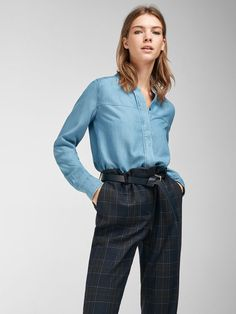 c2bca6e20ad6 The most elegant women s shirts and blouses at Massimo Dutti. Find AW 2018  floral