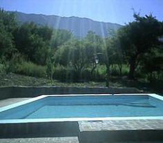 BI68777 - Villa de Merlo  - Pcia de San Luis. Tipo: Complejo cabañas 2* Complejo de 3 cabañas - Plazas: 16. Cat.: 2* - Estado: Bueno. Sup. Cub.: 196 Mts2 - Terreno: 4.524 Mts2. Salida a 2 calles. Posibilidad de ampliación. 2 lotes. Totalmente alambrado,con piscina de 4.50 x 9 mts 2 sombrillas de paja. 1 cabaña de 2 dormitorios, baño completo, cocina comedor, galeria, lavadero al aire libre, parrilla, parque con vista al valle, cochera semi cubierta con media sombra y caña.