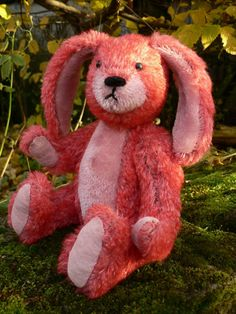 Robbie is a gorgeous little rabbit, totally handmade in two beautifully contrasting furs - hes sure to be a star attraction in any collection.  In a slight change from the norm Ive used plastic safety joints for his arms, legs and head; and he also has safety eyes and no shot making him a safer bear but still one that Ive not had tested for child friendliness.  Robbies Stats. * Height: 26cm (10.2 inches) tall * Weight: 261g (9.2 ounces) * Material: 15mm Extra Dense Red Barry Loubear (70%…