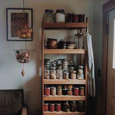 Plastic-free, zero waste pantry | Beautiful bulk goods storage in jars