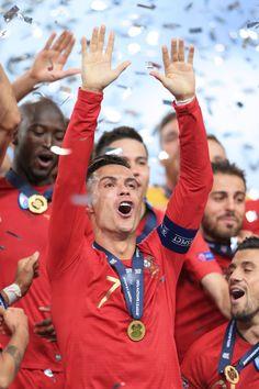 Cristiano Ronaldo Juventus, Cr7 Ronaldo, Cr7 Portugal, Ronaldo Pictures, Soccer Guys, Sports Humor, Football Players, Stock Photos, Badass