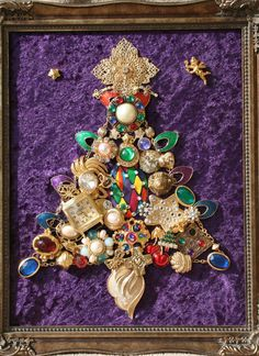 vintage jewelry christmas tree. oh my god, i want it.