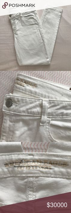 American Eagle Outfitters Skinny Jegging 🌿 Pre-Owned 🌿 Style: Jegging - Color: White Size: 16 - Brand: American Eagle Outfitters  These AE jeggings are super stretch. I only wore them 2-3 times max. No damages! I lost weight and they no longer fit me.  🌿  N O   T R A D E S   •   H O L D S  🌿  📦 Q u i c k   S h i p p i n g 📦 American Eagle Outfitters Jeans