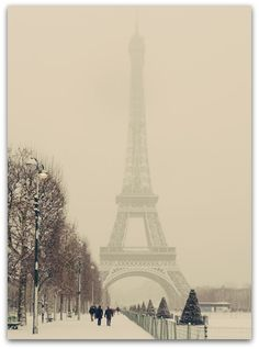 Paris in the Spring Time. Paris in the Winter. Paris in the Summer! When is not a good time to go to Paris! Oh Paris, I Love Paris, Paris Night, Paris City, Oh The Places You'll Go, Places To Travel, Places To Visit, Dream Vacations, Vacation Spots