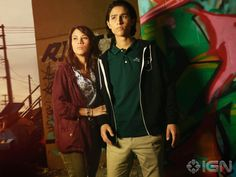 IGN gives us an exclusive photo of Christopher (Lorenzo Henrie) and Liza (Elizabeth Rodgriuez) in Fear the Walking Dead!