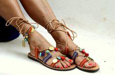 """Atar las sandalias de cuero decoradas con piedras semipreciosas """"Frida"""" (hechos a mano por encargo)"""