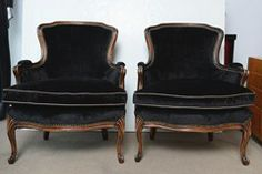 French Vintage Pair of Louis XV Bergere Chairs image 2