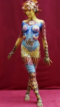 Foto: Body Paint, Graffiti, Cool Style, Wonder Woman, Princess Zelda, Superhero, Painting Art, Pictures, Fashion Trends