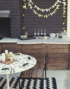 Entertaining, outdoor bar-drinks station, monochromatic gold+black+white / styling: Sarah Sherman Samuel, photo: Mike Carreiro
