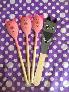 Story Spoons: The Three Little Pigs Pig Crafts, Book Crafts, Crafts For Kids, Treasure Basket, Puppets For Kids, Traditional Tales, Three Little Pigs, Wooden Spoons, Preschool Activities