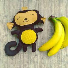 Handmade monkey with felt details Fabric Dolls, Monkey, Felt, Banana, Handmade, Hand Made, Playsuit, Felting, Monkeys