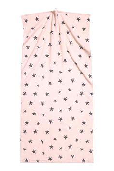 Банное полотенце с звездочками - Светло-розовый  60х125    Полотенце из хлопка с набивным рисунком по велюру и задней махровой стороной. Петельки на концах.