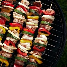 Make this colorful vegetable kabob--and everything else you grill--taste even better with these 17 BBQ tricks: guide cooking tips Vegetarian Recipes Easy, Clean Eating Recipes, Healthy Cooking, Healthy Eating, Cooking Tips, Food Preparation, Grilling Tips, Bbq Tips, Grilling Recipes