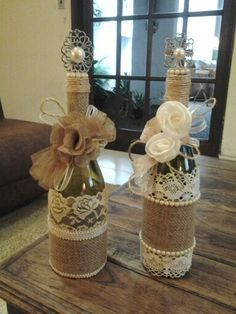 Wine bottle decor with lace, burlap, & yarn. I put some cute flowers in mine and turned it into a flower vase Wine Bottle Corks, Diy Bottle, Wine Bottle Crafts, Mason Jar Crafts, Twine Wine Bottles, Wine Bottles Decor, Bottle Stoppers, Mason Jars, Bottles And Jars