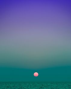 New York-based photographer Eric Cahan captures long, vertical shots of beautifully multihued horizons in his ongoing work entitled Sky Series.