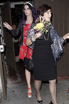 Katy Perry bonds with her mom and dad at Dominicks restaurant