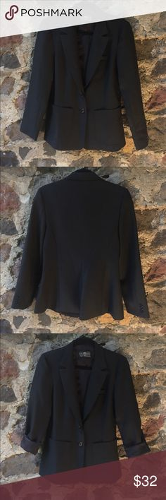 Levi Strauss & Co Black Blazer size 12 In perfect condition!! Free of any holes, stains or tears. Fully lined! Great worn true to size or as an over sized Blazer. Levi's Jackets & Coats Blazers