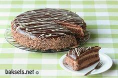 baksels.net   Hemelse chocoladetaart met mousse van melk en pure chocolade