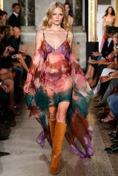 i like this idea as a big piece of canvas sort of, for projectons onto the body  Emilio Pucci Spring 2015 Ready-to-Wear Fashion Show - Anna Ewers