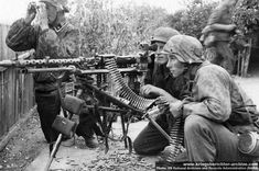 SS MG34 crew during Operation Barbarossa 1941 The Maschinengewehr 34 was arguably the most advanced machine gun in the world at the time of its deployment. Its combination of exceptional mobility, being light enough to be carried by one man, and high rate of fire (of up to 900 rounds per minute) was unmatched. It entered service in great numbers, from 1936 onwards and was first combat tested by German troops aiding Franco's Nationalists in the Spanish civil war.