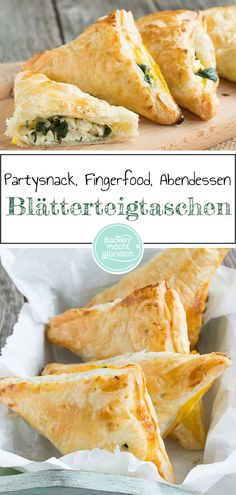 Puff pastry pockets with spinach and feta cheese Baking makes you happy - Filled puff pastries are great party snacks, finger food and dinner in one. These spicy puff pastry - Party Finger Foods, Snacks Für Party, Appetizers For Party, Drink Tumblr, Easy Healthy Recipes, Easy Meals, Spinach And Feta, Spinach Puff, Le Diner
