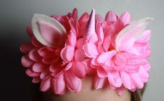 A fun twist on Miss Mouse Creations , Baby Unicorn Headband. This headband features two bright pink faux flowers. These full and beautiful flowers Baby Unicorn, Unicorn Headband, Faux Flowers, Pink Flowers, Pink Cupcakes, Baby Headbands, Bright Pink, First Birthdays, Beautiful Flowers