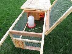Joe's Garden Journal: DIY Outdoor Chicken Brooder / Broody Hen Box