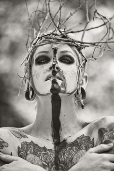 Photographer: H. James Hoff. Model: Ruca.