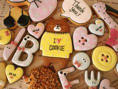 アイシングクッキー Cute Cookies, Sweet Stuff, Cookie Decorating, Food Art, Icing, Food Photography, Sweets, Fancy, Cooking