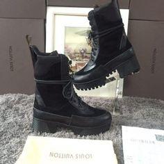 7766d821fc36 Лучших изображений доски «обувь»  120   Chanel, Dolce   Gabbana и ...