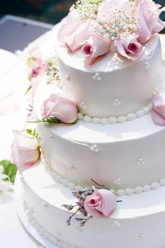 Pink Wedding Cakes Photographic Print: Three Tier Cake with Pink Roses by chughes : - Wedding Cake Fresh Flowers, Diy Wedding Cake, Wedding Cake Decorations, Elegant Wedding Cakes, Wedding Cake Designs, Wedding Cake Toppers, Lace Wedding, Floral Wedding, Wedding Bands