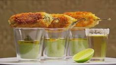 Jalapeno Poppers with Spicy Green Mole Sauce by contestant Mindy Woods Masterchef 2012 Master Chef, Sauce Mole, Beignets, Masterchef Recipes, A Food, Food And Drink, Dessert Original, Masterchef Australia, Jalapeno Poppers