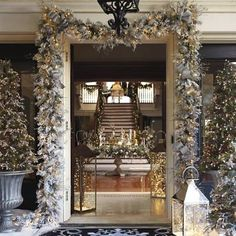 Flocked Norway Spruce Cordless Wreath and Garland