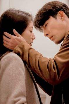 Hyun Bin - Memories of the Alhambra Korean Actresses, Korean Actors, Actors & Actresses, Best Kdrama, Chines Drama, Korean Drama Movies, Korean Dramas, Kim Myung Soo, Netflix