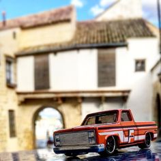 Al fondo el #arcodesantaclara de #montilla #chevrolet #pickup #hw #hotwheels #diecastcar #diecast #twitter #hotwheelscollector #hotwheelsdaily #hotwheelspics #hotwheelsrepost #hotwheelsspain #diecastcars #diecastpics #miniaturas #cochecito #cartoys #hwc #ajrhw #wheels #diecastphoto #diecastphotography