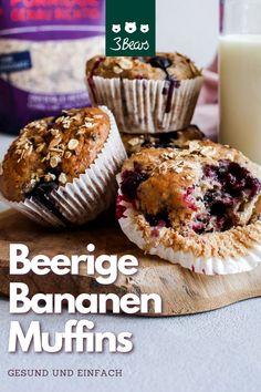 Ob zum Frühstück oder am Nachmittag zum Kaffee. Diese leckeren Muffins mit fruchtigen Beeren und kernigen Haferflocken geben dir ordentlich Power und sind trotzdem gesund und lecker. Die Muffins sind vegan und werden mit wenig Zucker zubereitet. #backen #rezept #muffins #vegan #veganuary