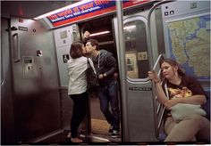 Capturando momentos románticos en el metro de Nueva York