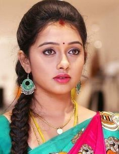 New Fashion : Pisse Beautiful Girl In India, Beautiful Women Over 40, Beautiful Girl Photo, Beautiful Gorgeous, Simply Beautiful, Beautiful Bollywood Actress, Most Beautiful Indian Actress, Beautiful Actresses, Indian Natural Beauty