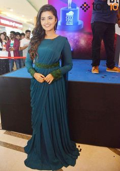 New Designer Pleated Saree Fancy Sarees Party Wear, Saree Designs Party Wear, Party Wear Indian Dresses, Designer Party Wear Dresses, Indian Gowns Dresses, Indian Fashion Dresses, Indian Designer Outfits, Wedding Dresses, Fancy Blouse Designs
