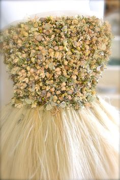Zita Elze - wear a dress made of real flowers!