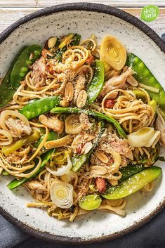 This flavoursome dish will take you straight to the streets of Bali! Packed with healthy veggies and authentic Indonesian flavours, this easy bakmi goreng will become your favourite quick dinner idea. Duck Recipes, Asian Recipes, Ethnic Recipes, Easy Recipes, Asian Foods, Chicken Recipes, Healthy Recipes, Vegetarian Nachos, Vegetarian Recipes